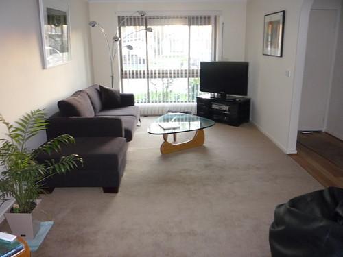 Cheap Carpets Melbourne: Secondhand Commercial Carpet laid in investment property.