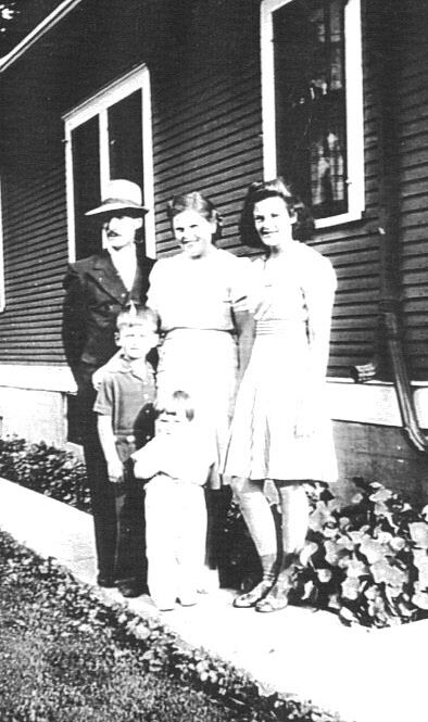 Ade Jim Larry Norma Shirley 1942