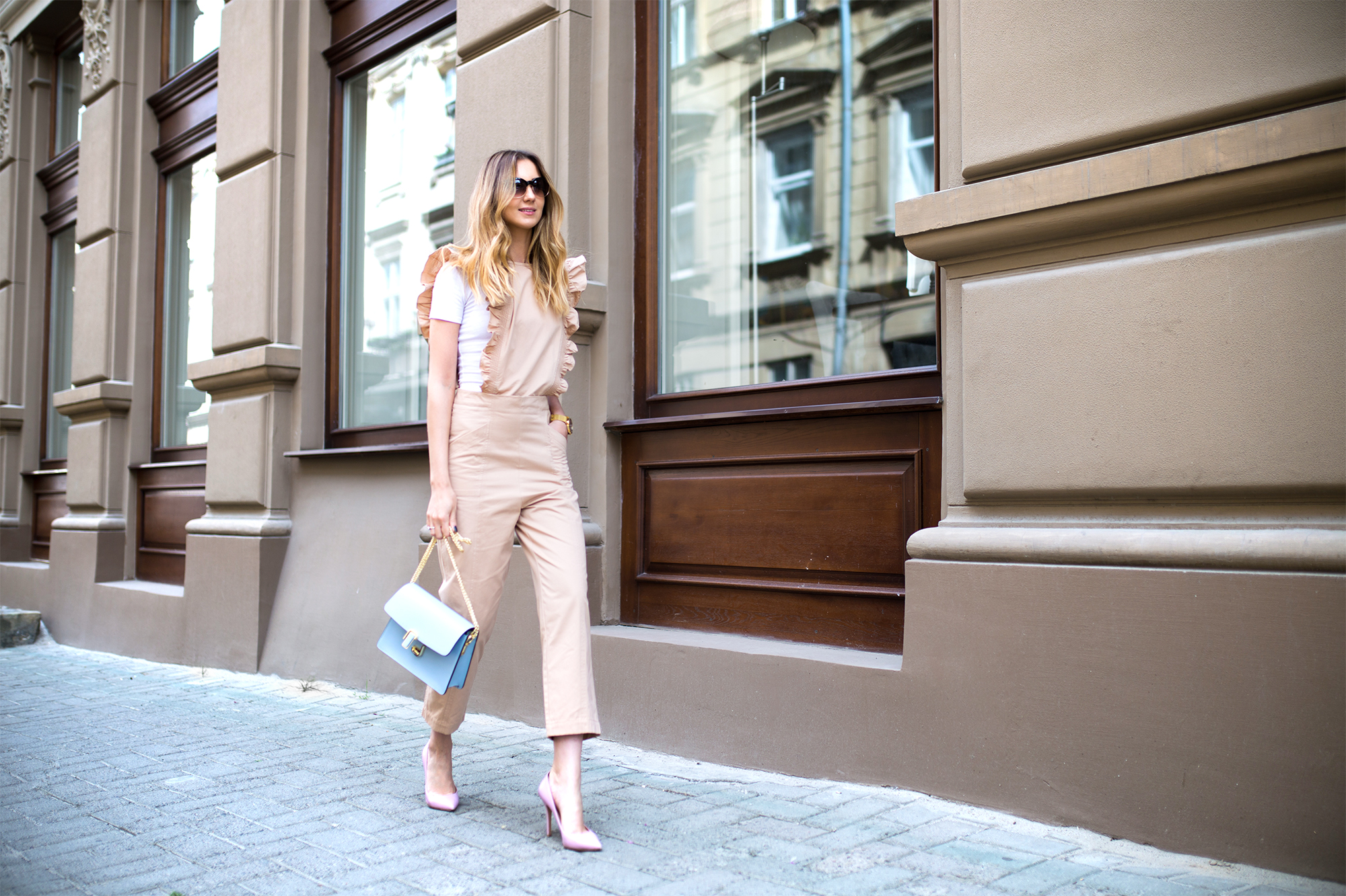 beige-ganni-ruffle-jumpsuit-outfit-street-style