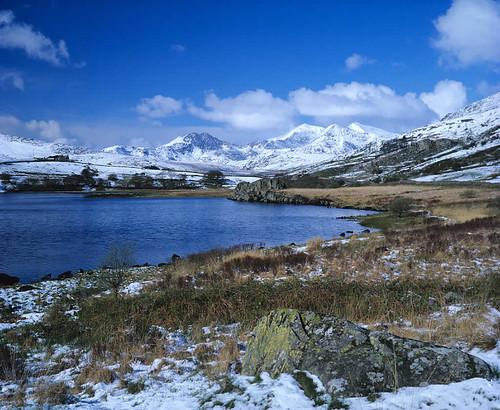 (00077) Llynnau Mymbyr a Phedol yr Wyddfa - Llynnau Mymbyr and the Snowdon Horseshoe