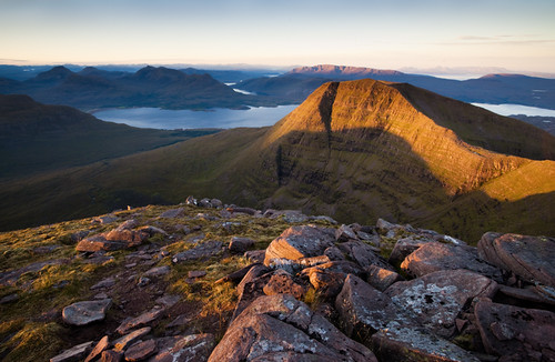 camping light wild mountain sunrise landscape scotland highlands torridon cuillin beinnalligin