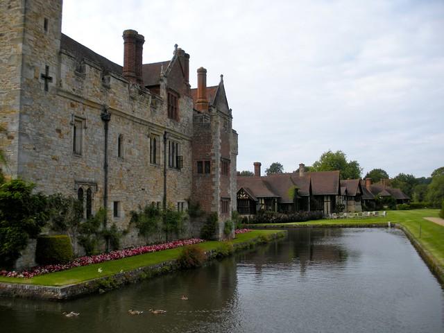 hever castle moat