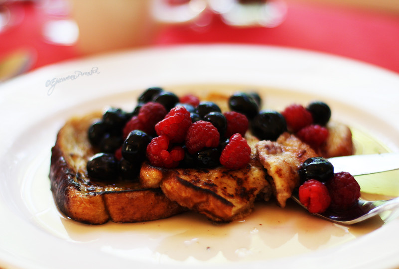 Gourmet French Toast with Warm Fresh Berries & Maple Syrup
