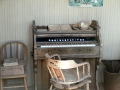 electronic device(0.0), piano(0.0), organ(0.0), string instrument(0.0), wood(1.0), keyboard(1.0), spinet(1.0),