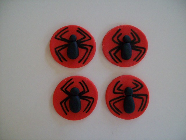 Fondant spiderman cupcake toppers - photo#19
