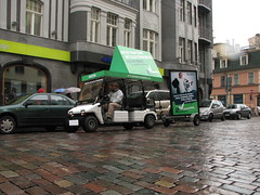 Zaļā reklāma Rīgas ielās 4