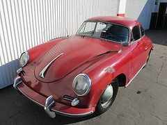 volkswagen beetle(0.0), sports car(0.0), automobile(1.0), automotive exterior(1.0), porsche 356/1(1.0), vehicle(1.0), automotive design(1.0), porsche 356(1.0), porsche(1.0), subcompact car(1.0), city car(1.0), antique car(1.0), classic car(1.0), land vehicle(1.0),