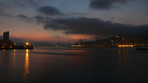 china hong kong hongkong kowloon dawn sunrise tsimshatsui hunghom northpoint east promenade victoria harbour harbor ship boat craft vessel schiff navire navío barco nave crane barge 中国 香港 九龍 尖沙咀 尖東 尖沙咀海濱花園 尖沙咀東部海濱花園 ©allrightsreserved geotagged geo:lon=114176665 geo:lat=22295780 tripleniceshot longexposure langzeitbelichtung