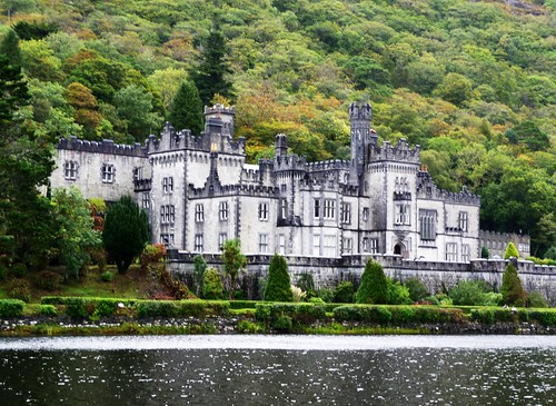 Kylemore Abbey, Kylemore Lough