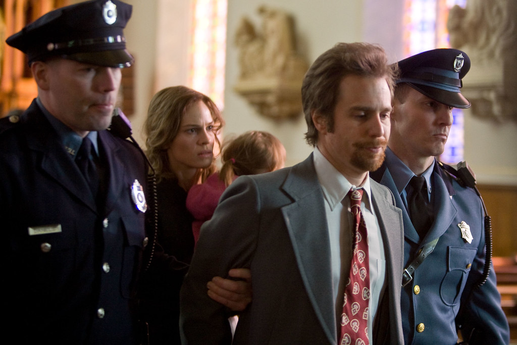 betty_anne_waters-_movie_image_sam_rockwell_and_hilary_swank