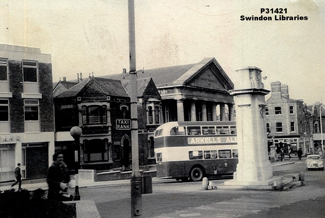1960s?: Bus at Cenotaph, Regent Circus, Swindon