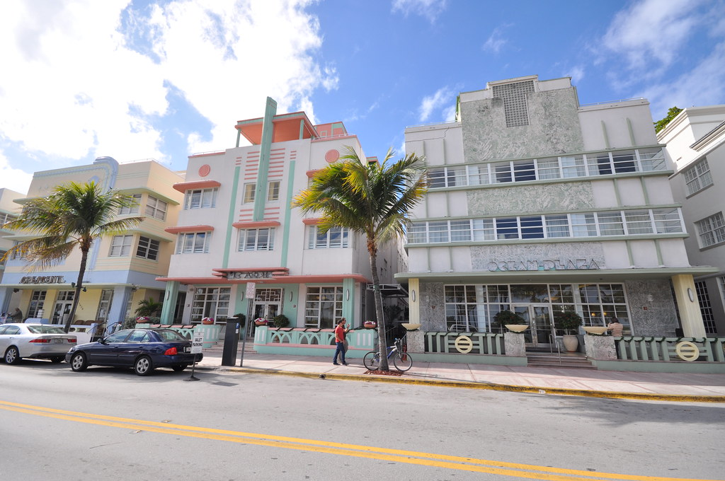 Ocean Drive - Art Deco buildings in Miami