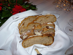 babka(0.0), produce(0.0), fruit cake(0.0), gugelhupf(0.0), dessert(0.0), torte(0.0), meal(1.0), breakfast(1.0), baking(1.0), bread(1.0), baked goods(1.0), banana bread(1.0), food(1.0), dish(1.0),