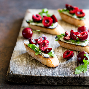 photo blue-cheese-bruschetta-cherry-salsa.jpg