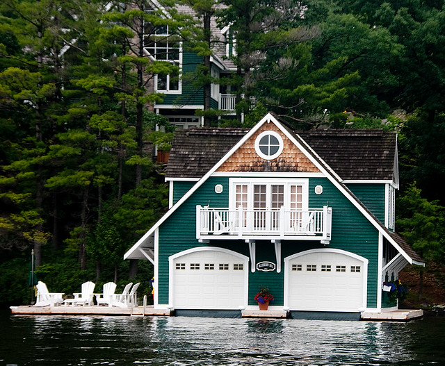Bev and henk 39 s cottage lake joseph muskoka ontario for Lakefront cottage plans canada