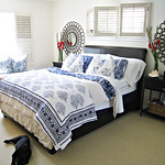 blue and white bedding+master bedroom ideas+tropical beach ...