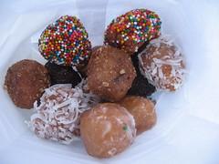 chocolate truffle, chocolate balls, chokladboll, rum ball, food, dish, dessert, cuisine,
