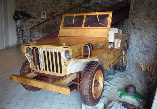 Wooden Jeep museum exhibit by Spottedlaurel
