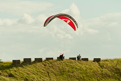 toy(0.0), paragliding(1.0), parachute(1.0), air sports(1.0), sports(1.0), windsports(1.0), powered paragliding(1.0), extreme sport(1.0),