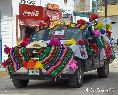 Camioneta Bicentenario - Desfile 16 de Septiembre 2010 - Chiautla de Tapia - Puebla - México