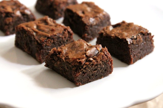 Chewy Dense Brownies