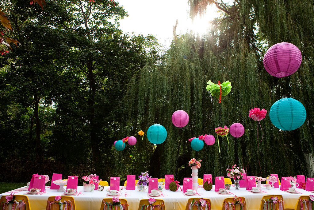How to diy alice in wonderland birthday party fresh - Alice in the wonderland party decorations ...