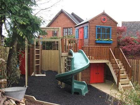 Play Area With Storage Shed Project Code Pc080480