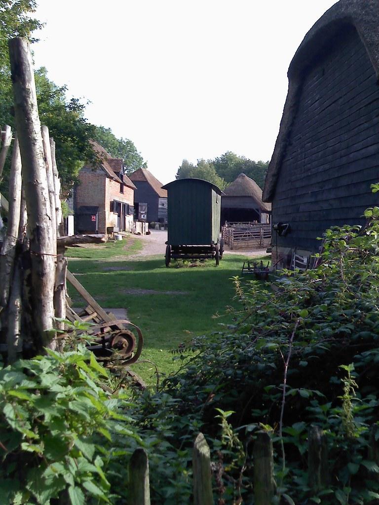 Along the Netley to Botley walk, Hampshire Manor Farm caravan; no gypsy visible - and presumably no virgin nearby either! September 2010