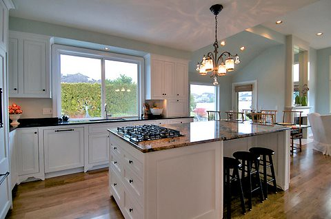 A wonderful example of the popular kitchen island design