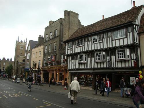 Brigde Street en una calle muy concurrida donde se pueden encontrar todo tipo de comercios, tiendas y restaurantes cambridge - 5066990947 a5106ca11a - Cambridge (England) y sus rincones para turistas