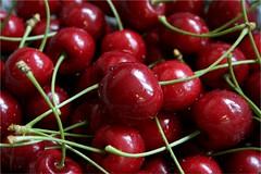 vegetable(0.0), plant(0.0), radish(0.0), cherry(1.0), produce(1.0), fruit(1.0), food(1.0),