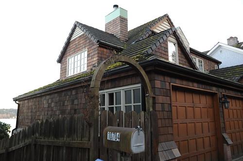 House, gables, cedar shakes, arched fence entrance, view of Lake Washington, North Matthews Beach, Sand Point Way Uplands, Seattle, Washington, USA