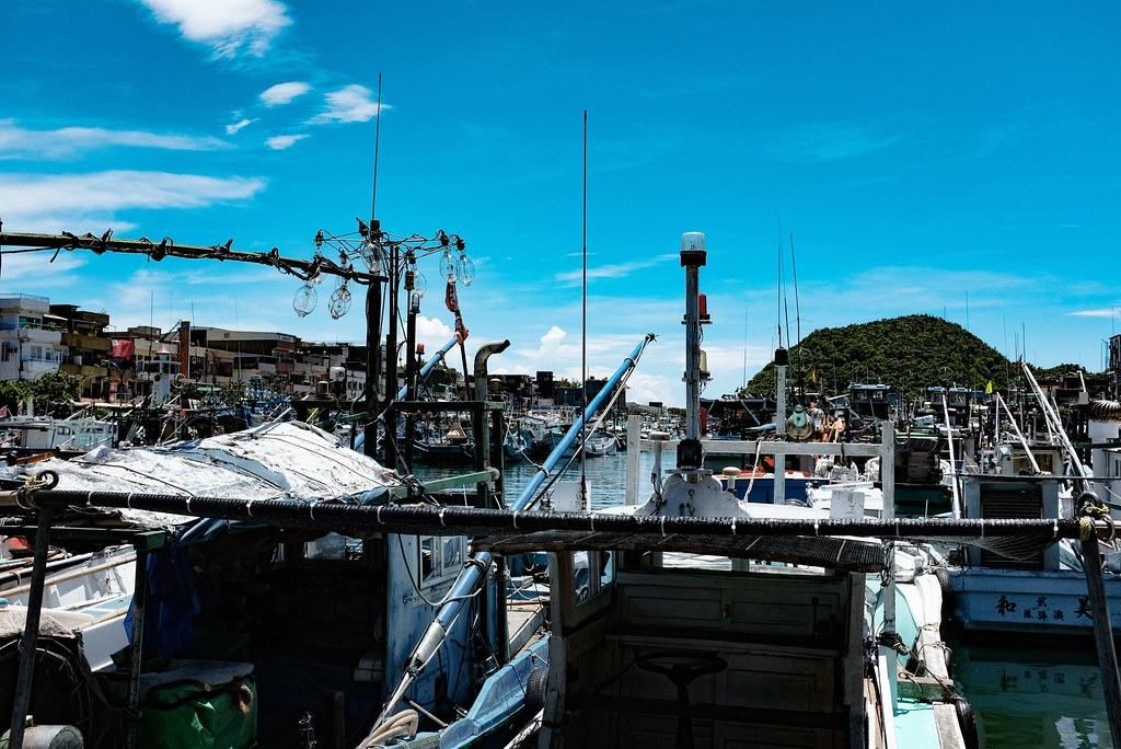 盛夏的漁港。南方澳