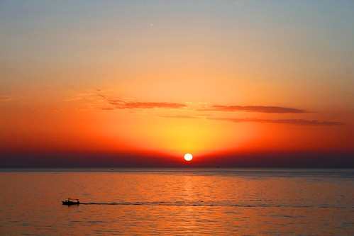beautiful start sunrise boat early glow shine tunisia beginning sousse 5am sfrica nuframe