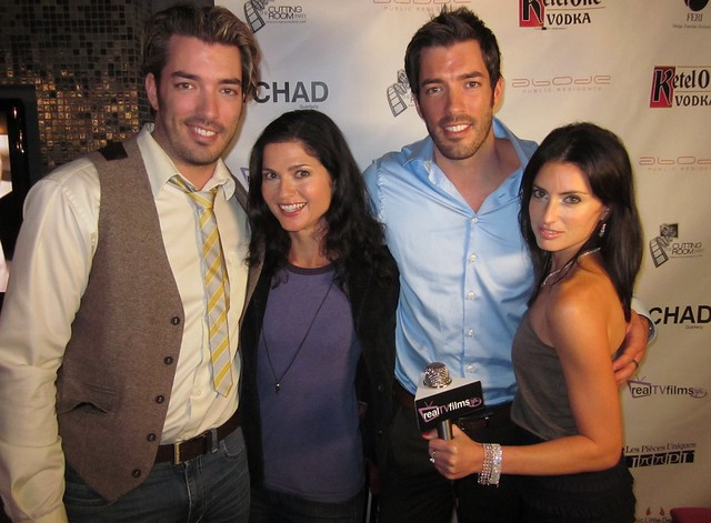 Jonathan and Drew Scott Shirtless http://www.flickr.com/photos/realtvfilms/5000055827/
