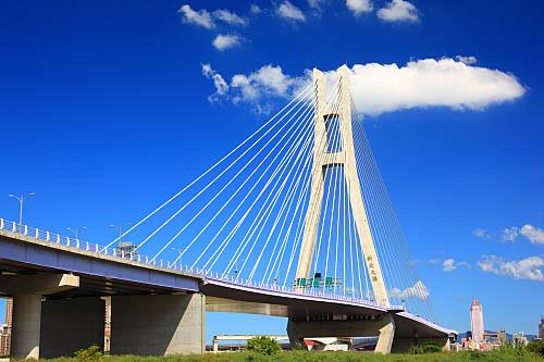 759J二重疏洪道斜張橋-新北大橋