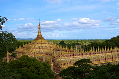 The grandeur of Thanboddhay Paya
