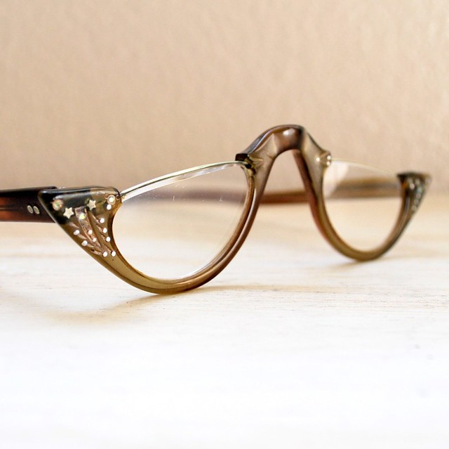 vintage 1950s cat eye reading glasses with accents