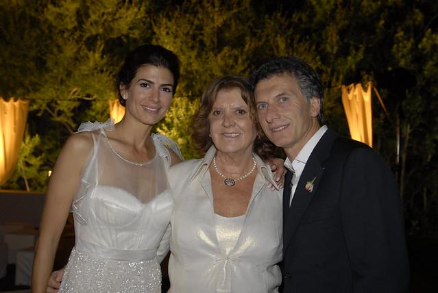 Los novios y la madre de Mauricio Macri
