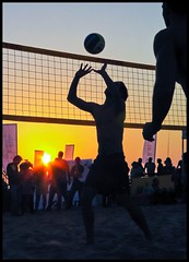 Volleyball on Tel Aviv beach by Flavio@Flickr, on Flickr