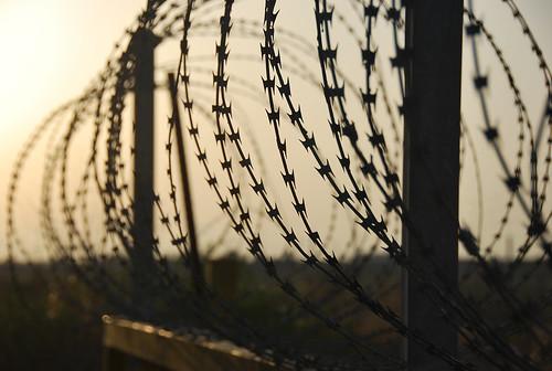 Muro de la vergüenza similar al construido en Grecia
