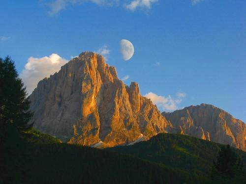 Selva Val Gardena – E la luna bussò sul Sassoloungo e sul Sassopiatto (Dolomiti)