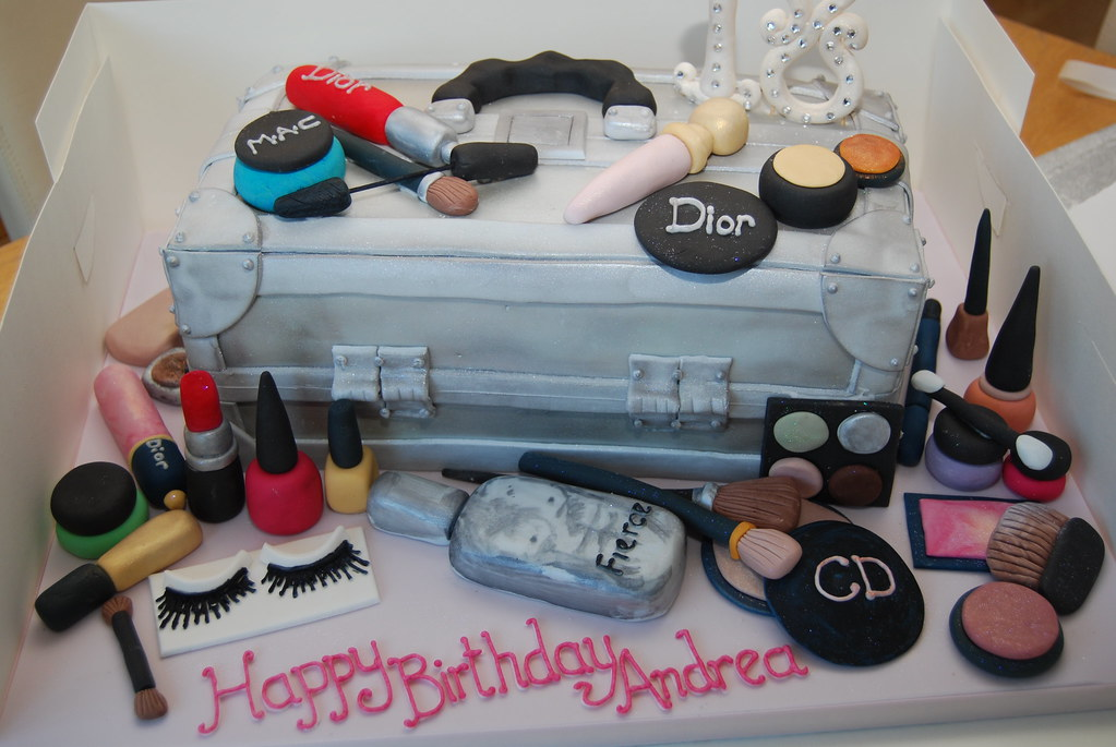 Make Up Box Cake This Is A Variation On A Previous Design Flickr