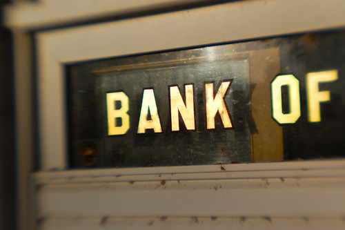 sign lensbaby typography gold shiny kentucky bank lettering lowes sanserif