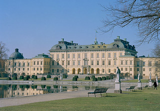 Obrázek Drottningholm Palace u Drottningholm. swedish palaces drottningholm