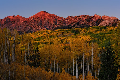 travel pink autumn sunset mountain mountains fall nature forest landscape gold golden evening nikon colorado glow dusk peak alpine co peaks aspen 2010 lastlight clff d700 platinumheartaward