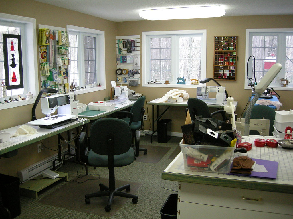 The sewing lawyer leather workshop it 39 ll be fine for Sewing room layout