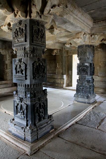 royal center hampi hazararama temple