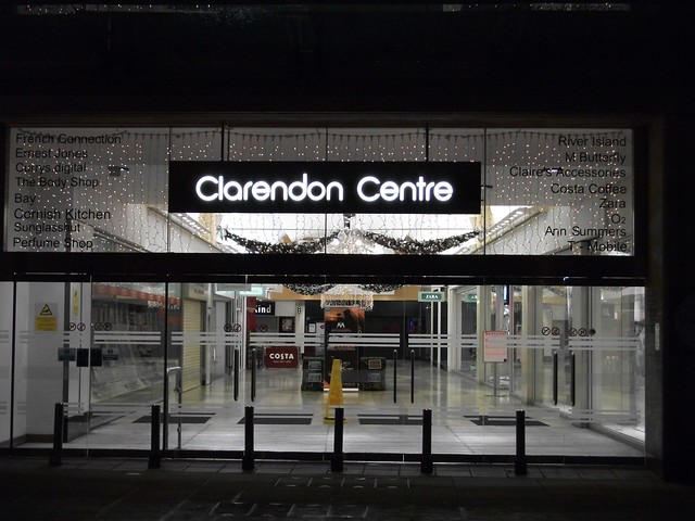 Oxford's Clarendon Shopping Centre has welcomed three prestigious retailers, bringing the centre up to full occupation. The new tenants bolster the centre's position as the city's number one fashion shopping destination and come on the back of footfall increases last year as high as 17%.