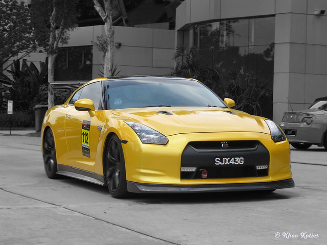 Pearl Yellow GTR in Motion